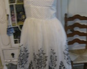 Beautiful 1950's Chiffon White and Black Dress womens size small