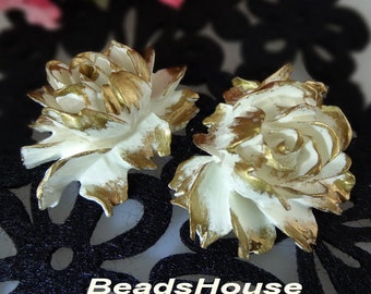 34-00-CA  2pcs High Quality Cabbage Rose with Golden Petals - White