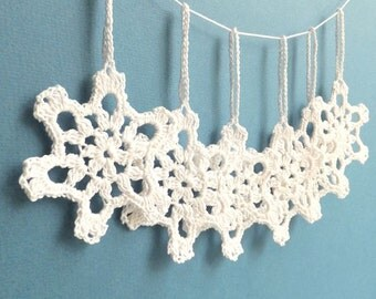 Christmas tree ornaments - crochet snowflakes - holiday ornaments - Christmas decoration - holiday decoration - white - set of 6 ~2.8 inches