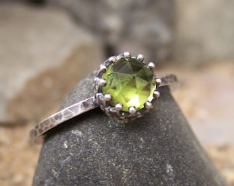 NEW DESIGN - Flora II - Rose Cut 6mm Peridot in Sterling Silver Open Back Crown Bezel and Hammered Band