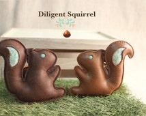 squirrel keychain Animal leather keychain squirrel key ring accessories squirrel keyholder