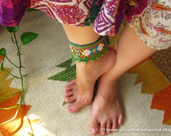 Boho Anklet Bracelet - Free Size Indie Geometric Wristlet - Adjustable to any size