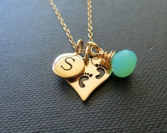 Personalized Mom necklace, baby footprint charm, baby initial charm necklace, new mom necklace, new mom gift