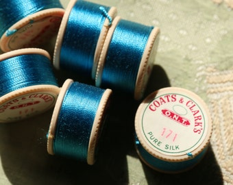 1 spool vintage pure silk buttonhole Coats Clark 171 twist thread spool vivid bright teal turquoise shade 10 yards size D Belding Corticelli