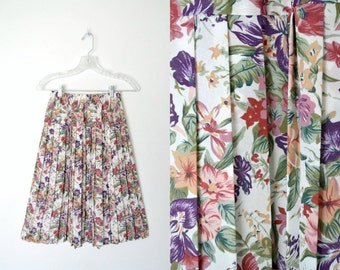 Vintage 80s Pleated Floral Skirt Slightly sheer Elastic waistband / size small