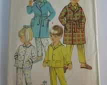 Toddlers Robe and Pajamas Size 2 Simplicity Pattern 8291 Vintage 1960s Cut/Complete