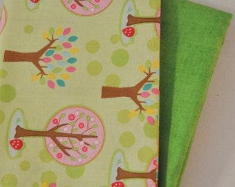 Hoo's In the Forest 2 Fat Quarters Bundle for Riley Blake, 1/2 yard total