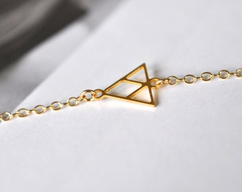 Sideways Triangle, Geo Necklace, Gold Necklace, Layer Necklace, Triangular Necklace, Delicate Necklace, Dainty Necklace, Rhombus Necklace,