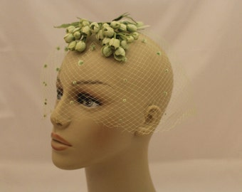 1950s Green Veil with Flowers, Pom-Poms and Bows / Mint Green Veil / Vintage Green Veil