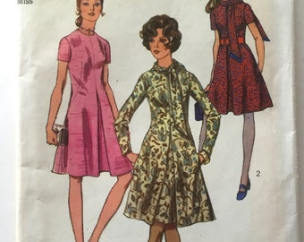70s Simplicity 9009 Dress Inverted Pleat Flared Skirt, Pockets - Size 10 Bust 32