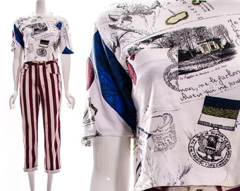 Vintage 80s White Blue Red Old Pictures Postage Stamp Crop Top Tourist Tee Souvenir T-Shirt Small