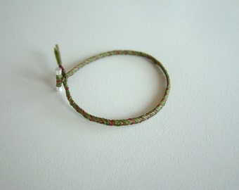 CHEvRON - Olive - Thin Braid - Cord - Rustic - Surfer Style Bracelet / Hand Knotted by fig&fig