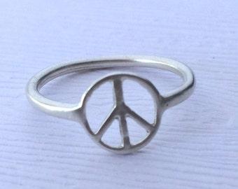 Peace Sign Thumb Ring