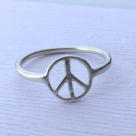 Peace Sign Thumb Ring