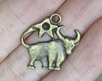 8 pcs of Antique brass charming constellation pendant,metal finding 20x22mm, constellation findings beads,  Taurus pendant beads findings