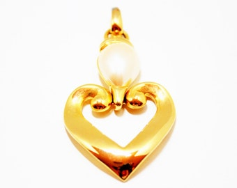Pearl Pendant- Heart Pendant- 1980s Fashion- Premier Design- Modern Pendant- Gold Tone- Large Pendant-