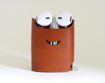 Smiling Earphone Case - Nut Brown - The Case with a Face - Leather Earphone Case / Earpod Case / Earphone Wrap / Earbud Organizer