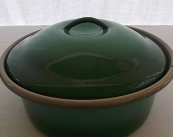 Vintage Enamelware Sauce Pot with Lid, Fade Green