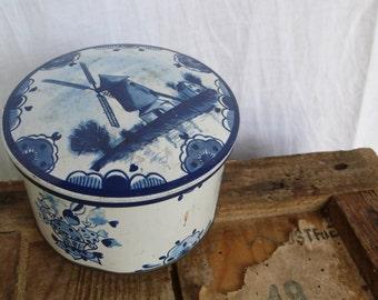 Windmill Tin, blue and white, kitchenalia,  shabby chic, interior design, vintage decor, rustic tin, blue white kitchen, French writing