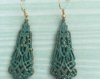 Gorgeous filigree dangle earrings