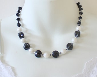 Vintage 30s Onyx Black White Milk Glass Aurora Borealis Faceted Art Nouveau Graduated Princess Length Necklace