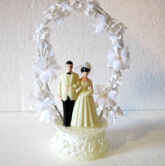 Vintage bride and groom cake topper