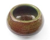 Vintage Green Brown Art Pottery Flower Vase Ceramic Bowl Metal Pins Frog Round Ikebana Arrangement Glaze Earthenware Arranger Holder Planter