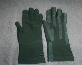 vintage pair ladies hand gloves aris isotoner lined green one size