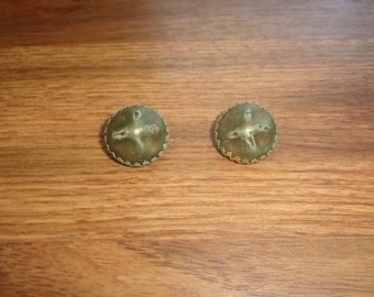 vintage clip on earrings green metal kramer