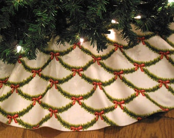 "Christmas Tree Skirt, Traditional Christmas, Shabby Chic Tree Skirt, Floral Tree Skirt, Vintage Christmas, 42"" Diameter Xmas Tree Skirt"