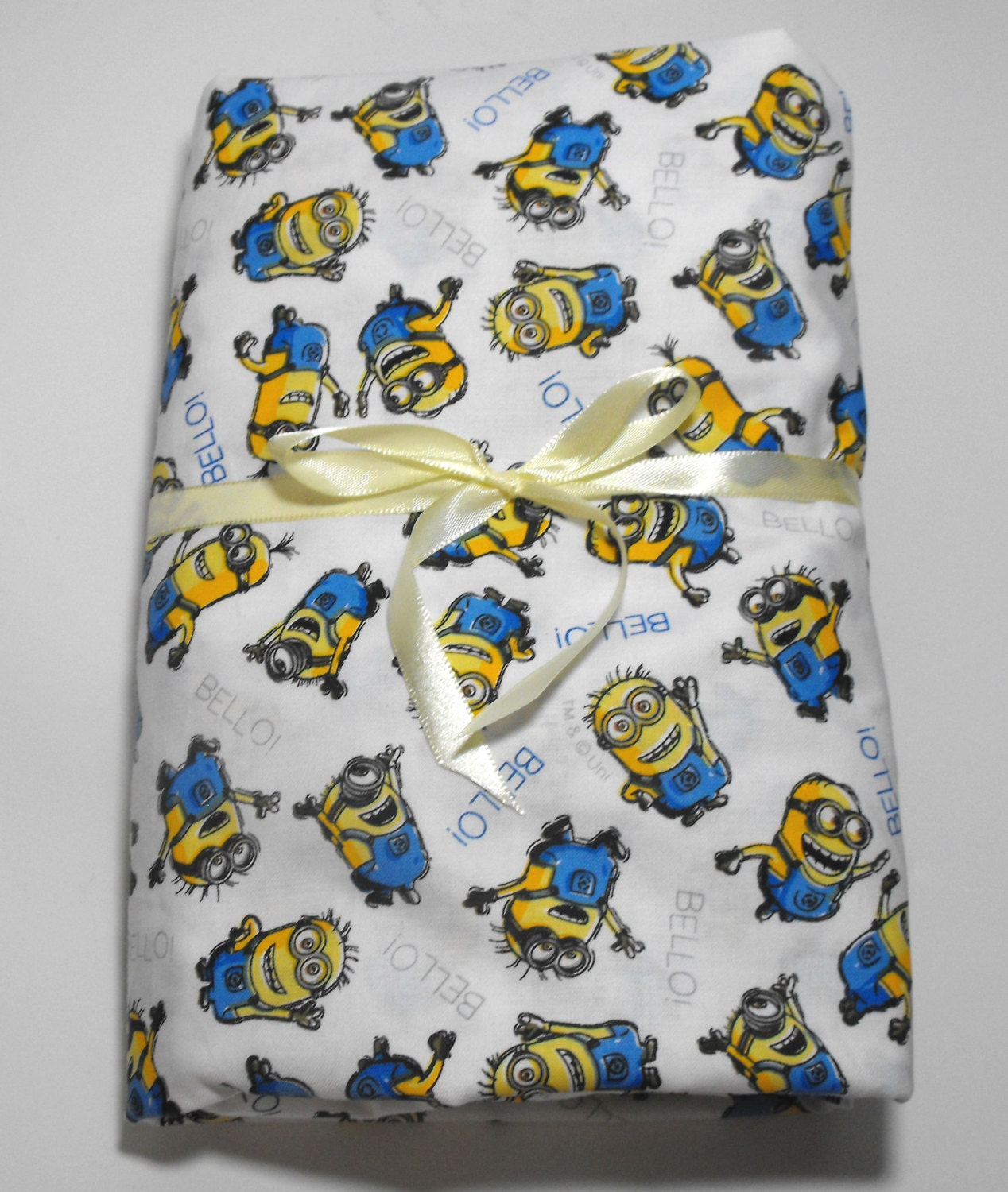 minions fitted sheet set for toddler bed includes fitted sheet
