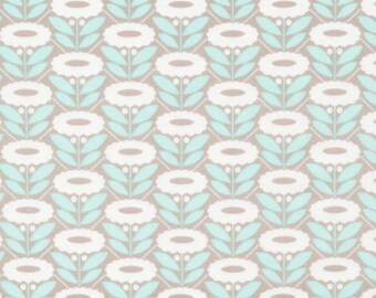 Morning Song Lazy Daisy in Turquoise, Elizabeth Olwen, 100% GOTS-Certified Organic Cotton, Cloud9 Fabrics, 130103