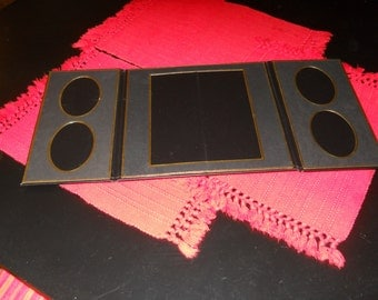 Three Folios with place for six pictures studio