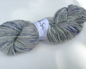 "Handspun Yarn, ""riverway"" merino Singles, dk Weight thick n thin"