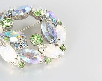 Juliana rhinestone Brooch jewelry, Blue Green Peridot Givre Molded Glass, vintage Pastel Wreath Brooch