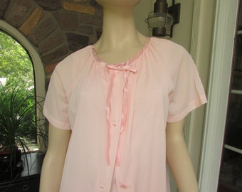Vintage Aristocraft Peach Nylon Nightgown Robe Set, Vintage Lingerie, Vintage Negligee, 2 Piece Lingerie Set, Vintage Nightgown and Robe