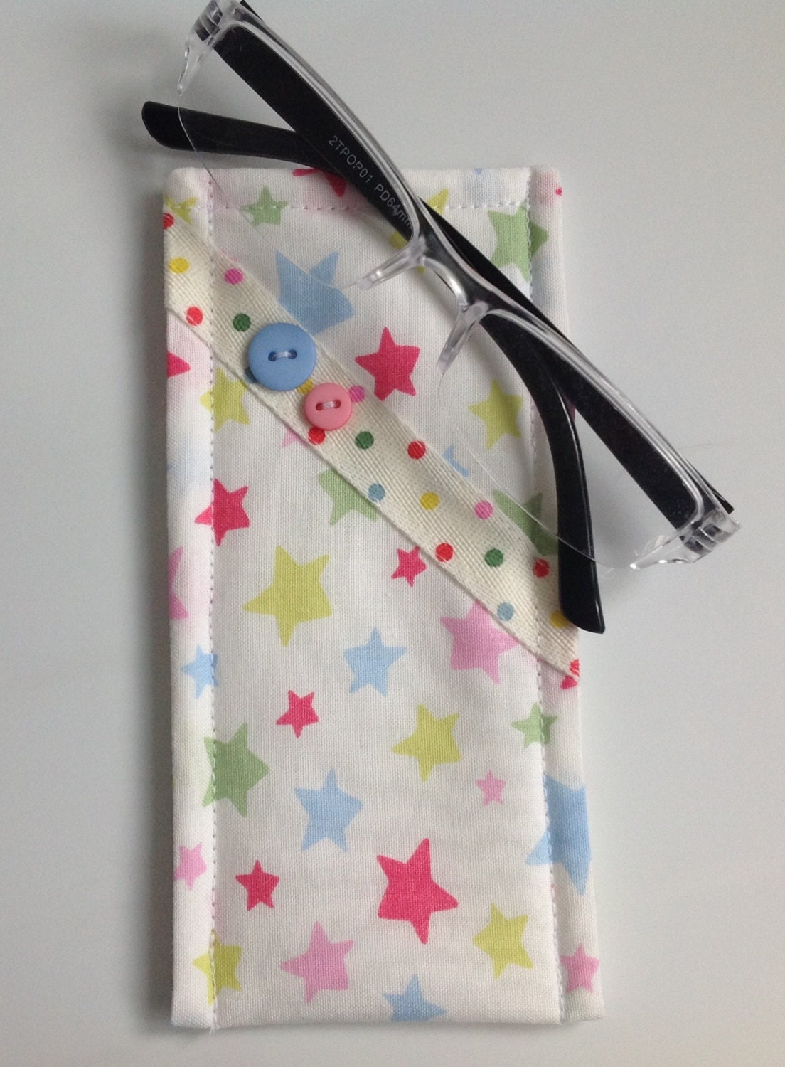 reduced cath kidston star fabric glasses case by sewmoira. Black Bedroom Furniture Sets. Home Design Ideas