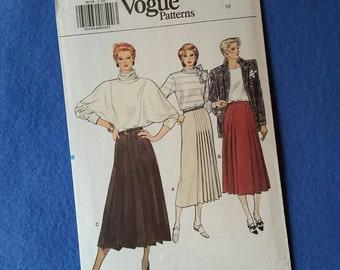 Uncut Vogue Vintage Sewing Pattern - 9139 - Misses' Skirt - size 10
