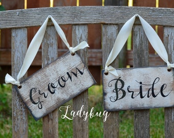 BRIDE & GROOM 10X6 Chair Signs- Rustic Wedding sign. Rustic wedding Decor, Rustic frame by Ladybug Design by Eu