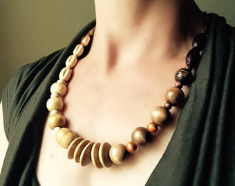 Wood beads gradient asymmetrical copper necklace