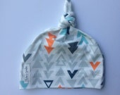 Organic baby knotted hat- orange/ navy / gray triangles