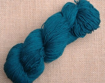 """Hand dyed British Bluefaced Leicester/nylon sock yarn in """"Apollo"""""""