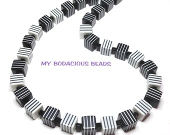 """Handmade 19"""" Black White Striped CUBE CHUNKY NECKLACE Black Accent Beads Magnetic Clasp"""