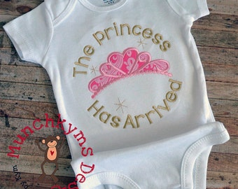The princess has arrived - Custom Birth Announcement - Birthday Onesie - Baby Boy Onesie - Shower gift
