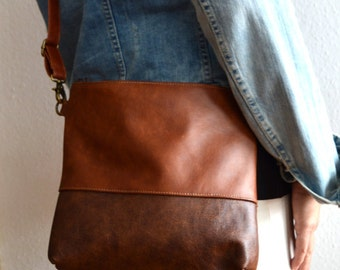Leather crossbody bag, Medium brown distressed leather purse, Shoulder bag