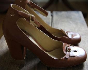 Vintage Designer Chloe Leather Mary Jane Platform Heels / Ankle Strap / Gold Trimmed Heels / Size 10 11