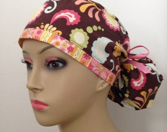 Women's Small Band Ponytail Surgical Scrub Hat - Pretty Paisley - Brown and Pink