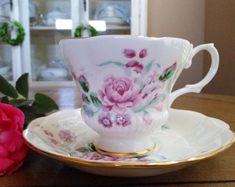 Royal Albert Bone China Teacup with Saucer Pink Roses and Gold Trim Made in England
