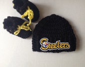 Steelers baby beanie with booties