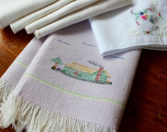 Vintage Linens Napkins Towel Hanky Embroidered 4 Mixed Lot Lunch Cocktail Lavender White